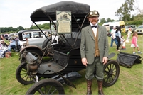 Senlac Classic Car Show and Craft Fayre