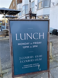 Weekday Lunch | The White Lion